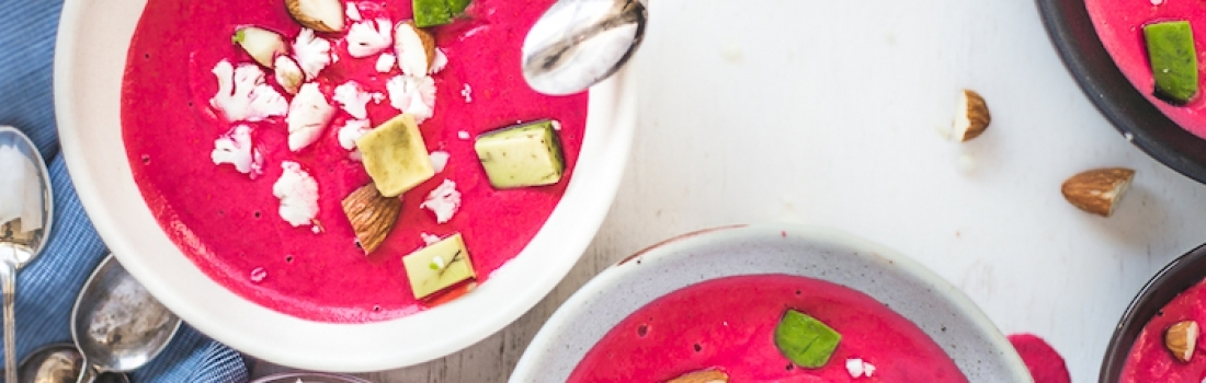 {Guest Post//Recipe} 10-Minute Blender Beet Salmorejo