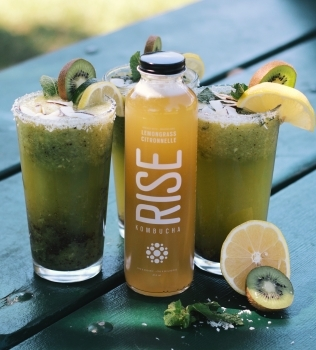 Summer detox with Kiwi Kombucha Cocktail